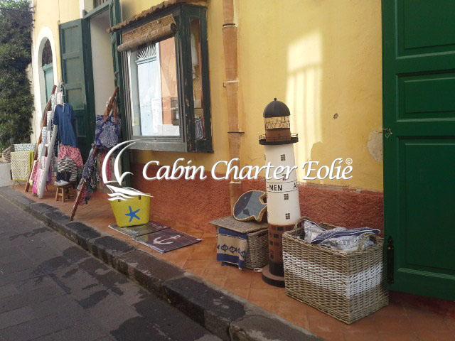 Salina - Portobello - Cabin Charter Eolie - Imbarco Individuale - Locazione - Viaggio in barca a Vela - Isole