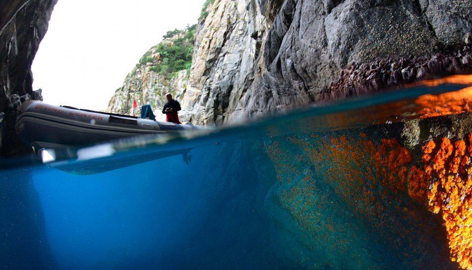 Cabin Charter Eolie - Bagnara - Grotta 2 - Vacanza in Barca a Vela - Viaggio in Barca a Vela - Calabria - Sicilia